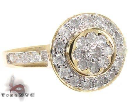 Charlotte\'s Ring Anniversary/Fashion