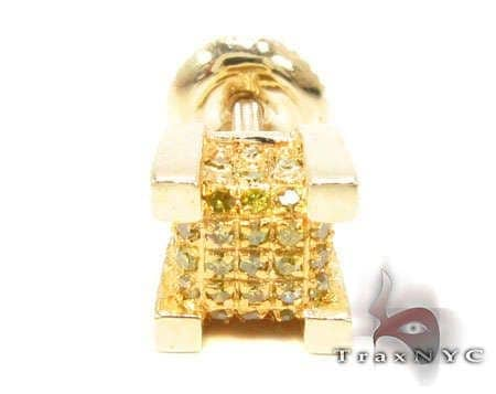 YG Canary Ice Single Cube Earring Style