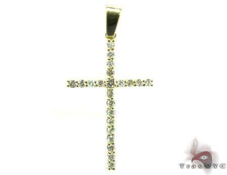 Round Cut Diamond Cross 4 Stone