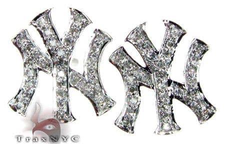 14K White Gold Diamond Yankee Earrings Stone