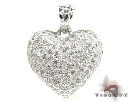 White Gold Little Heart Pendant Stone