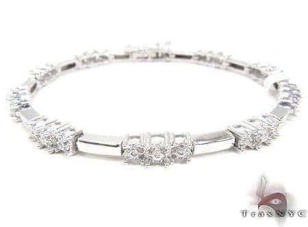White Gold Tri Cluster Bracelet Diamond