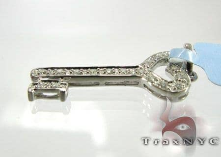 Mini Pave Key Pendant Stone