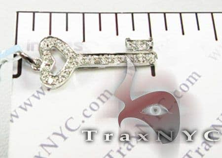 Mini Pave Key Pendant Stone