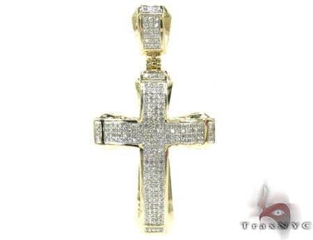 Small Yellow Gold Aristocrat Cross Diamond