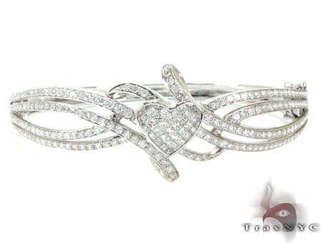 Ladies White Gold Diamond Center Heart Bracelet 21001 Diamond