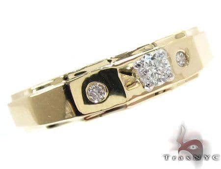 Yellow Gold Round Cut Prong Bezel Diamond Ring Wedding