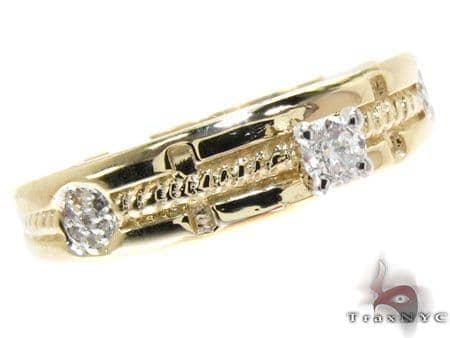 Yellow Gold Round Cut Prong Tension Diamond Ring Wedding