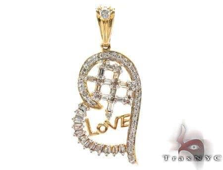 Yellow Gold Baguette Round Cut Prong Bezel Diamond Heart Pendant Style