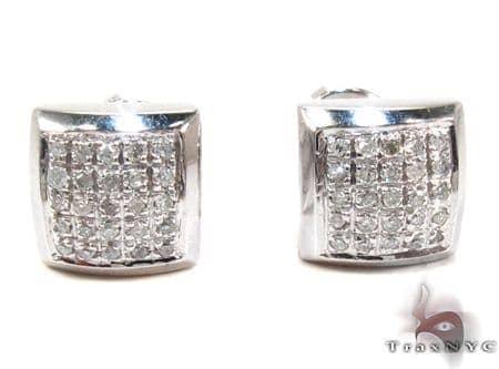 White Silver Round Cut Prong Diamond Earrings Metal