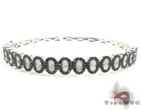 14K Gold Black and White Diamond Bangle Bracelet 25425 Diamond