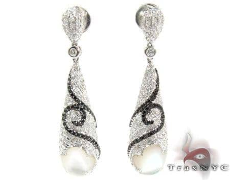 Royal Diamond Unique Earrings 25598 Style