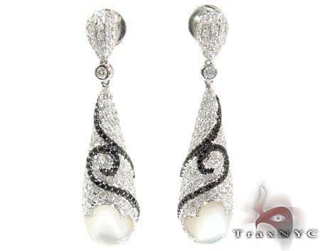 Royal Diamond Unique Earrings 25598 Style