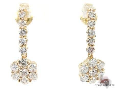 Dangling Flower Earrings Style