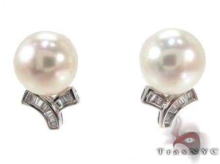 White Pearl Diamond Earrings 27342 Stone