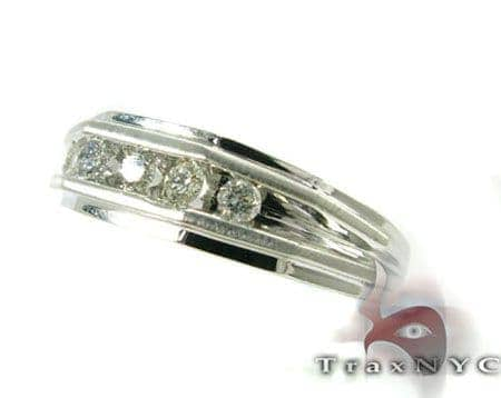 Mens Round Cut Wedding Band Style