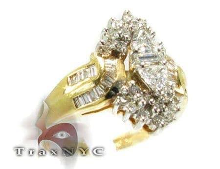 Ladies 3 Cut Ring Anniversary/Fashion