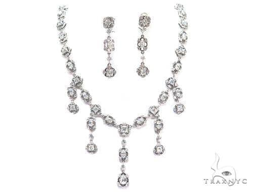 Baloo Prong Diamond Earrings & Necklace Set 43813 Diamond