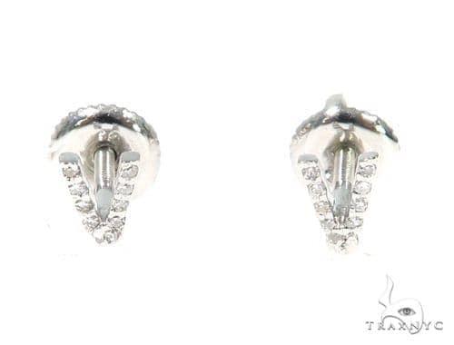 Prong Diamond Initial \'V\' Earrings 32654 Stone