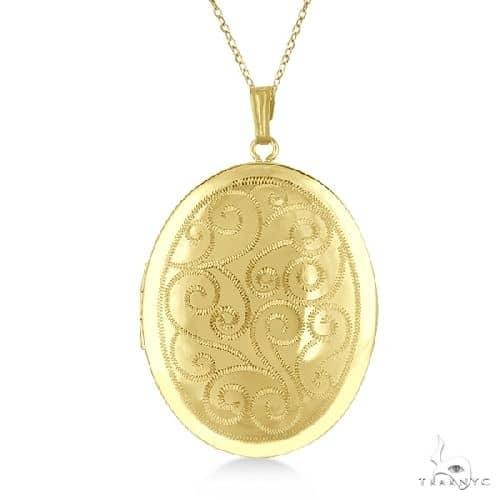 Vintage Oval Filigree Design Pendant Locket Necklace Gold Vermeil Metal