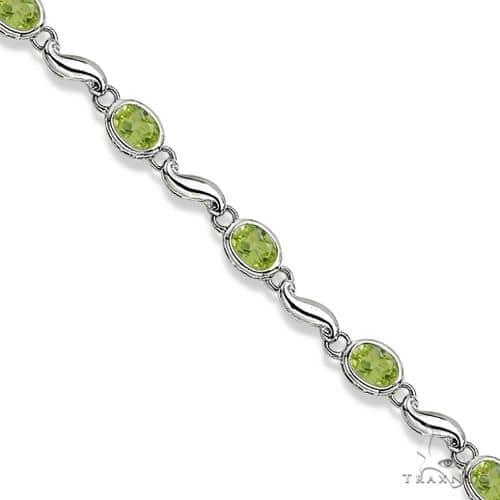 Bezel-Set Oval Peridot Bracelet in 14K White Gold (7x5 mm) Gemstone & Pearl