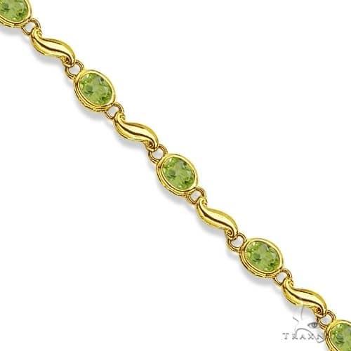 Bezel-Set Oval Peridot Bracelet in 14K Yellow Gold (7x5 mm) Gemstone & Pearl