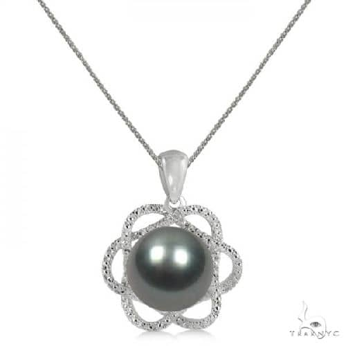 Tahitian Black Pearl and Diamond Flower Pendant 14K White Gold 10-11mm Stone