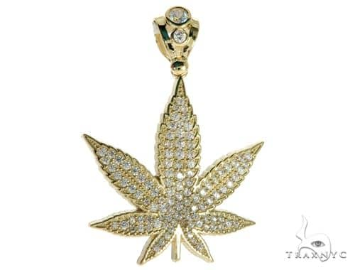 CZ 10K Yellow Gold Maple Leaf Pendant 61777 Metal