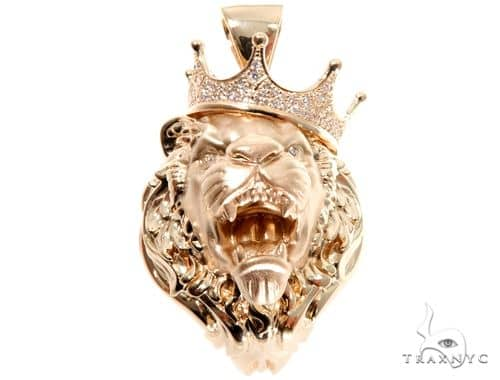Small Diamond Lion Head Pendant Metal