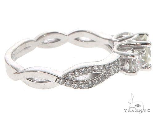 Platinum Diamond Three Stone Ring 64757 エンゲージメント