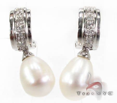 White Pearl Earrings Stone
