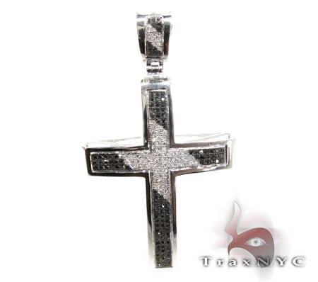 Black & White Junior Cross Diamond