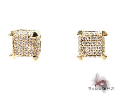YG Tiny Cube Earrings 2 Stone