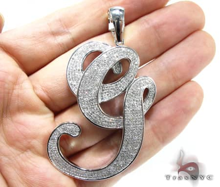 Curvy G Pendant Metal