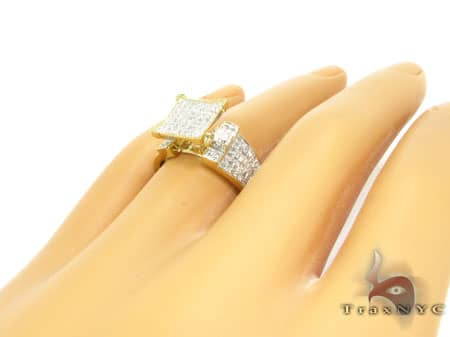 The Feminine Ring Anniversary/Fashion