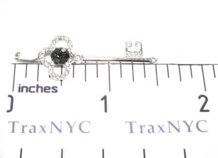 WG Tri-Leaf Key Pendant Stone