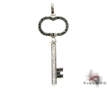 WG Diana Key Pendant Stone