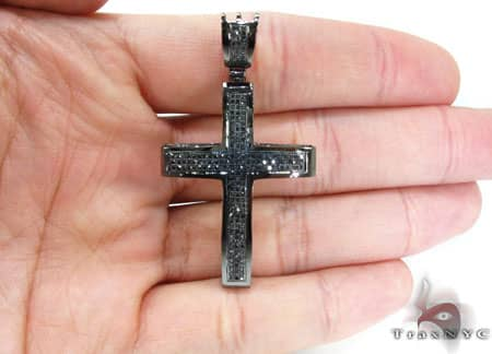 Gothic Black Diamond Junior Cross 2 Diamond