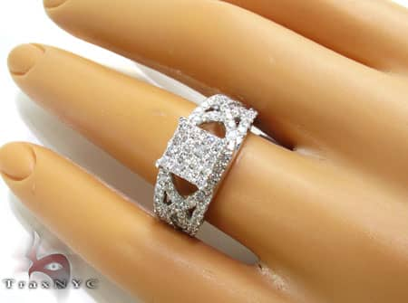 WG Side Criss Cross Ring Engagement