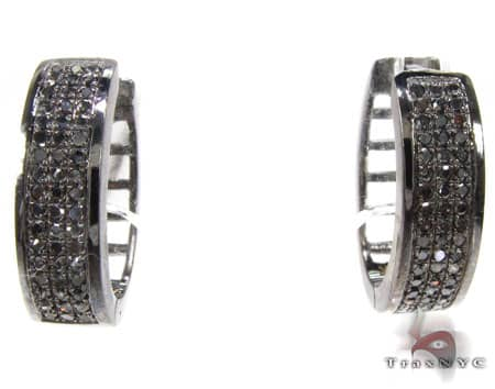 Black 3 Row Prong Earrings Style