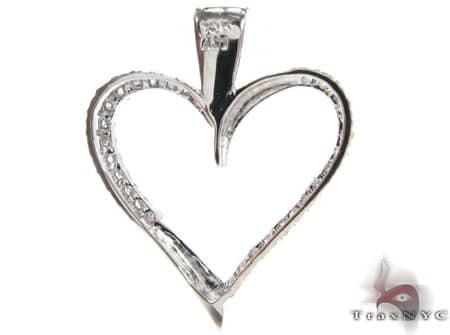 Curvy Heart Pendant Stone
