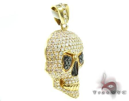 Yellow Skull Head Pendant Metal