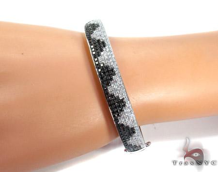 14K Gold Black and White Diamond Bangle Bracelet 25579 Diamond