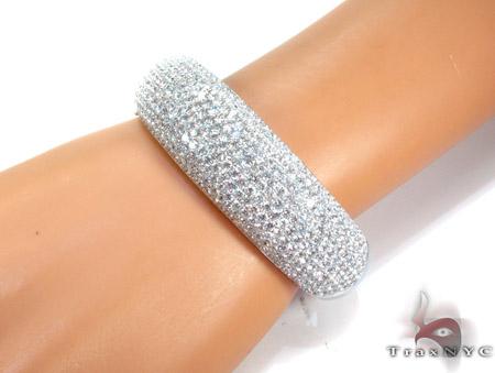 14K Gold Diamond Bangle Bracelet 25419 Diamond