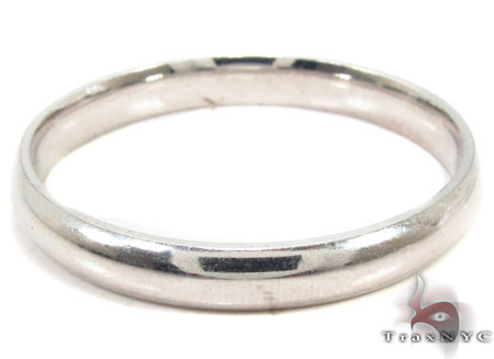 Mens Classy White Gold Wedding Ring Style