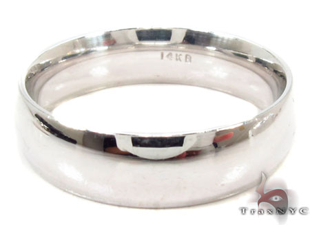 Mens Simply Elegant White Gold Wedding Ring Style