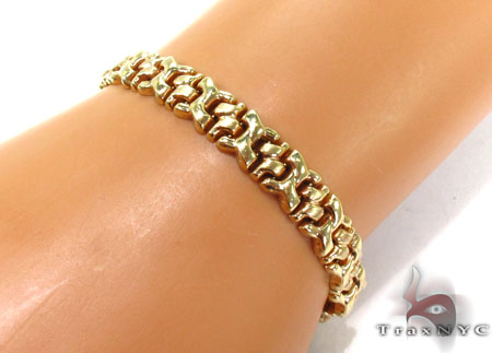 14K Yellow Gold Twisted X Bracelet Gold