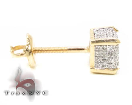 YG Single Cube Earring Stone