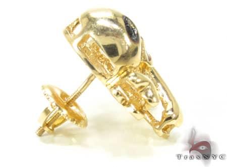 Single Black Diamond Skull Head Earring Style