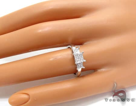 WG Lola Ring Engagement
